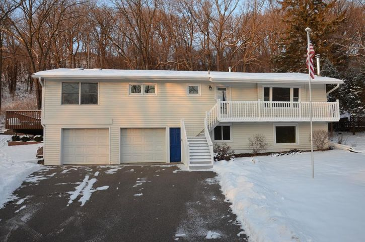 331 Riverview Heights Drive NE, Rochester, MN 55906