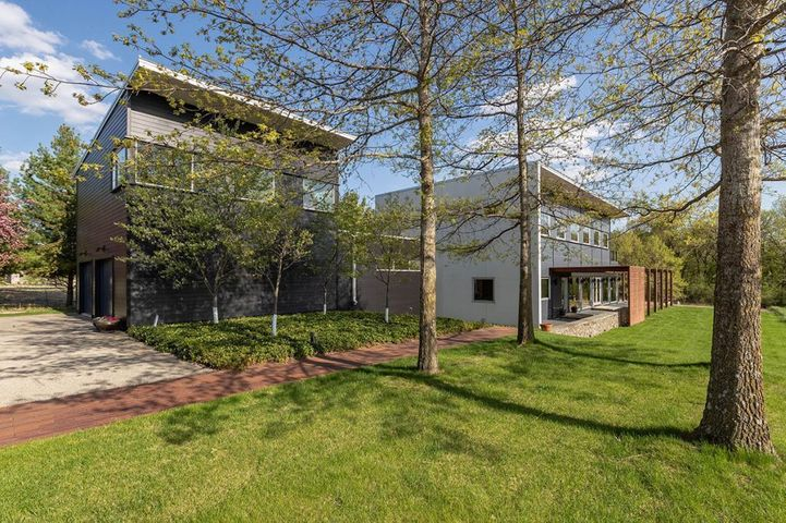 4770 Mayo Woodlands Road SW, Rochester, MN 55902