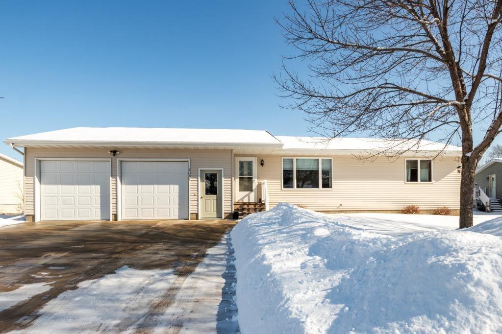 1015 W Iowa Street, Lake City, MN 55041