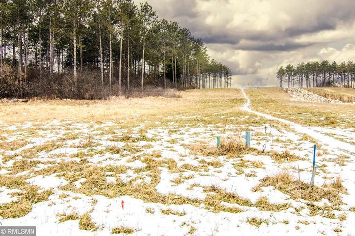 W1002 Red Fox Run, Spring Valley, WI