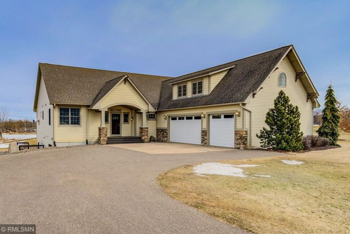 Executive custom home on the 3rd fairway at Pheasant Hill Golf Course in Hammond, WI. 4 bedrooms and 4 bathroom in this fully finished move in ready home.