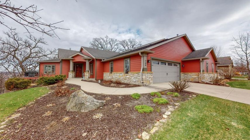766 Panorama Circle NW, Rochester, MN 55901