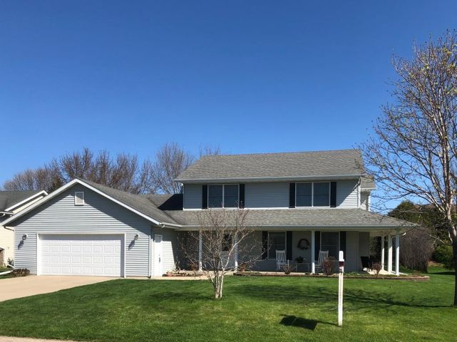280 5th Avenue SE, Plainview, MN 55964
