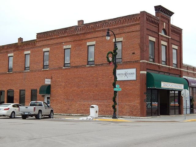300 Mill Street S, Rushford, MN 55971