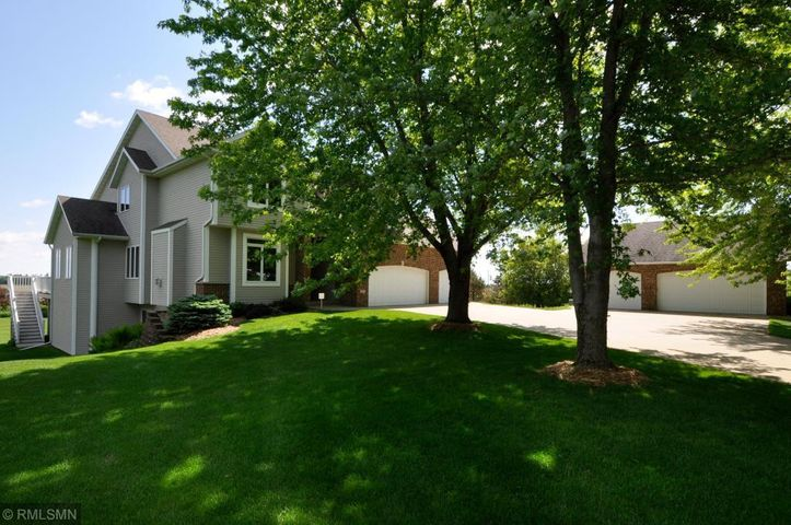2802 Hidden Hills Lane NE, Rochester, MN 55906