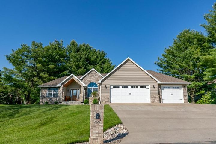 1343 East Lane, La Crescent, MN 55947