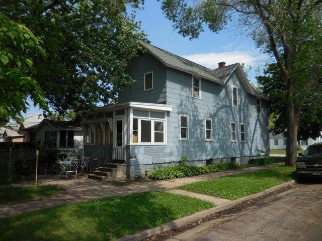 429 E King Street, Winona, MN 55987