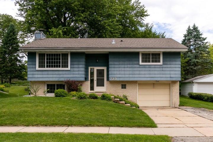 723 Zumbro Drive NW, Rochester, MN 55901