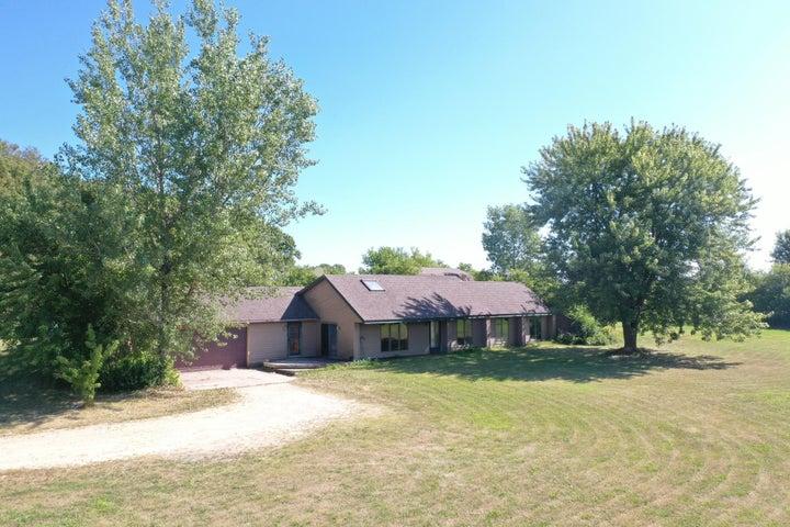 27074 County Road 29, Lewiston, MN 55952