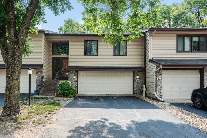 5744 Hyland Courts Drive, Bloomington, MN 55437