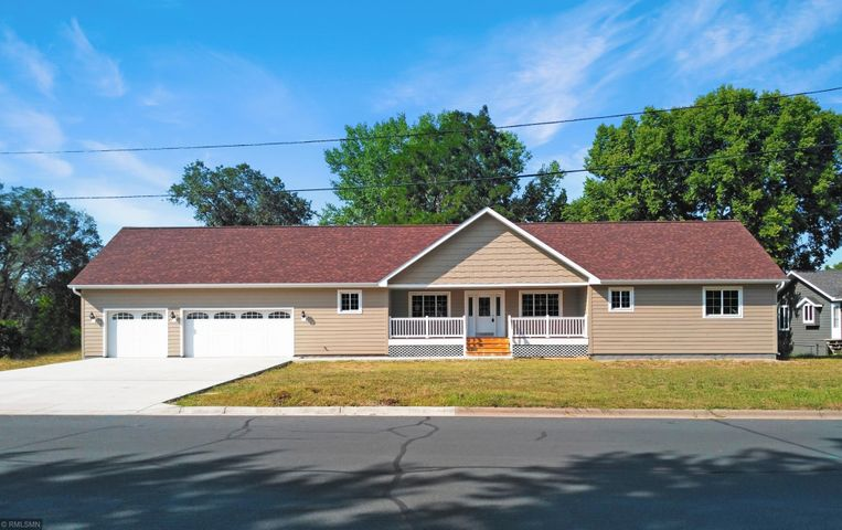 901 2nd Street E, Hastings, MN 55033