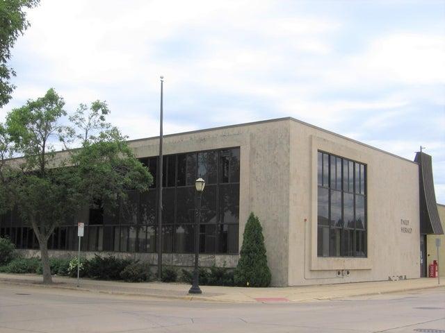 310 2nd Street NE, Austin, MN 55912
