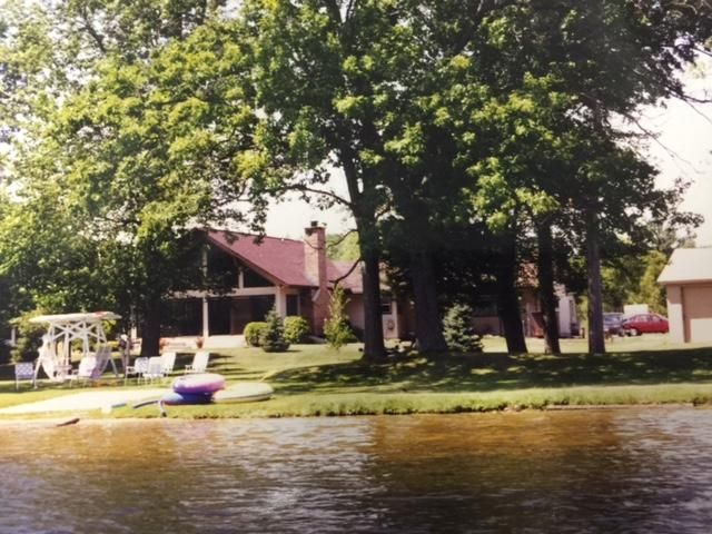 N8010 Island View Lane, Crivitz, WI 54114