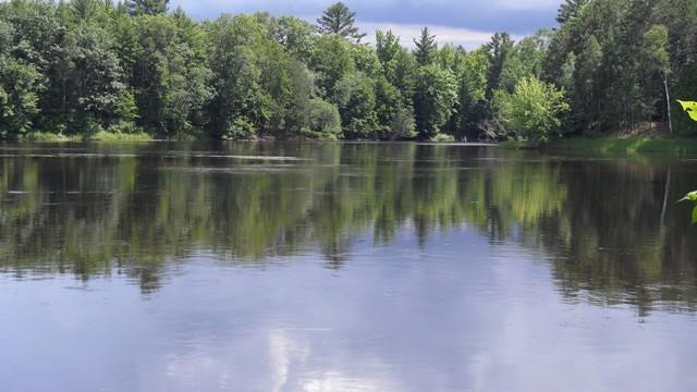 100' Menominee River Frontage