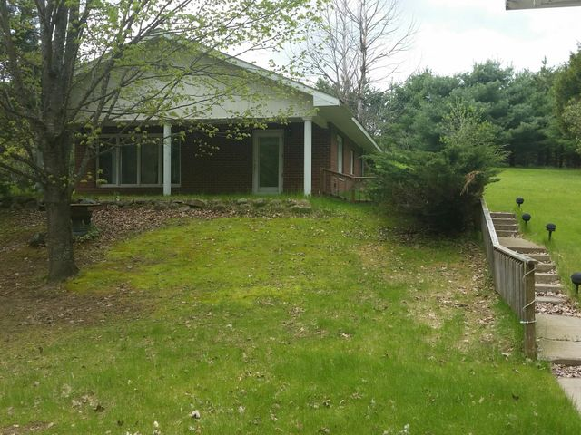 N15237 Downing Rd, Amberg, WI 54102