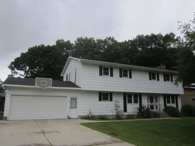 2340 Lincoln Street, Marinette, WI 54143