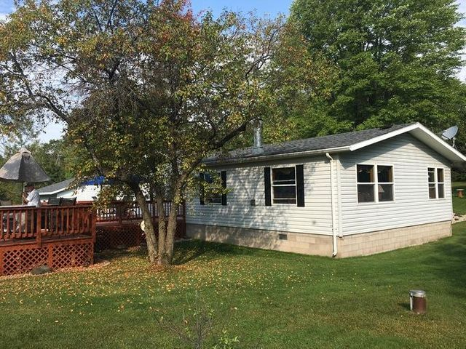 W5738 County Rd R, Niagara, WI 54151