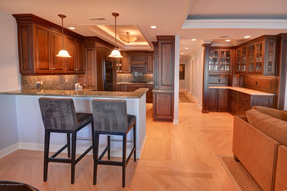 Custom Kitchen, Butlers Pantry