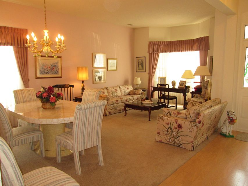 28 Golden Seasons Drive, Lakewood, NJ, 08701 - SOLD LISTING ...