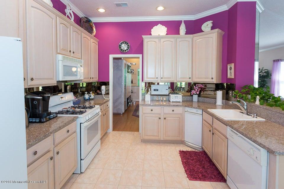 kitchen cabinets airport rd lakewood nj 7 bellflower dr lakewood nj 08701 mls 21813862 redfin. Black Bedroom Furniture Sets. Home Design Ideas