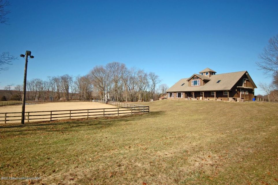 44 Forman Rd Barn next to sand ring