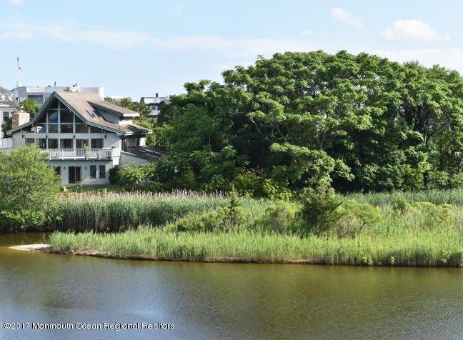 105 The Terrace E, Sea Girt, NJ 08750