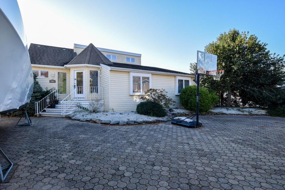 Manahawkin nj waterfront properties for sale for Jersey shore waterfront homes for sale