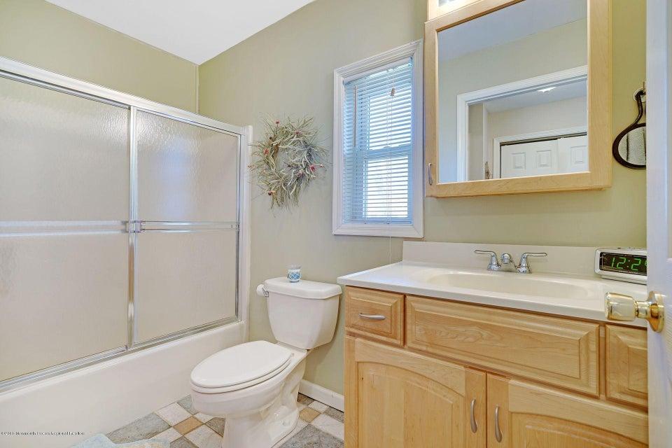 InLaw Suite Full Bath