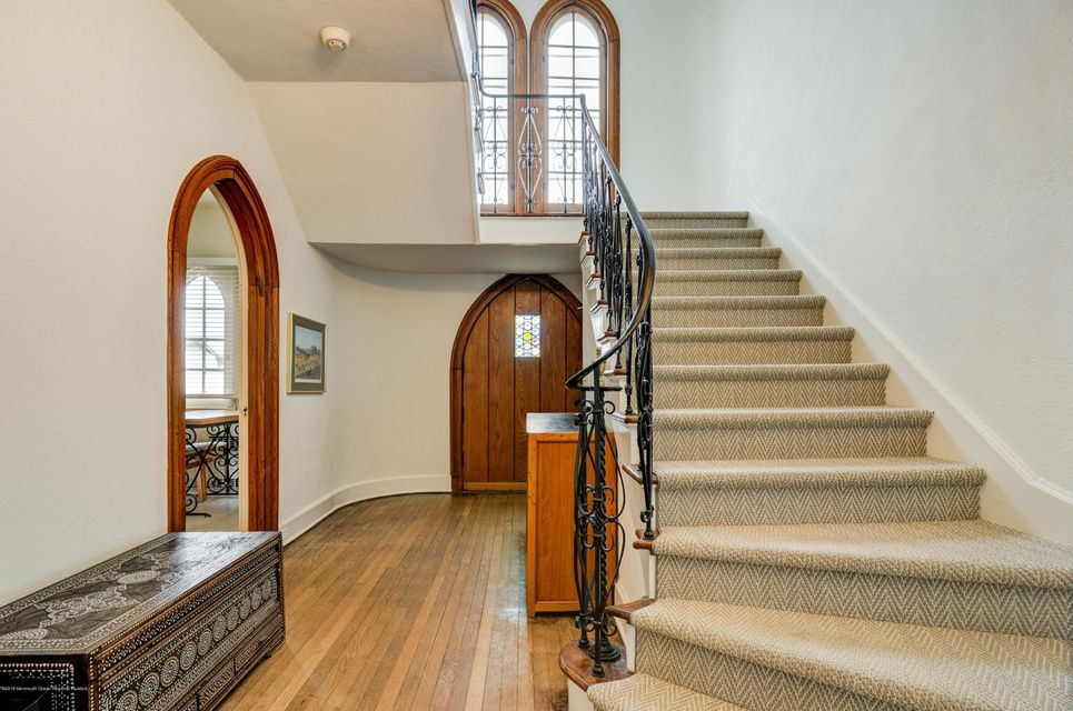 022_Staircase