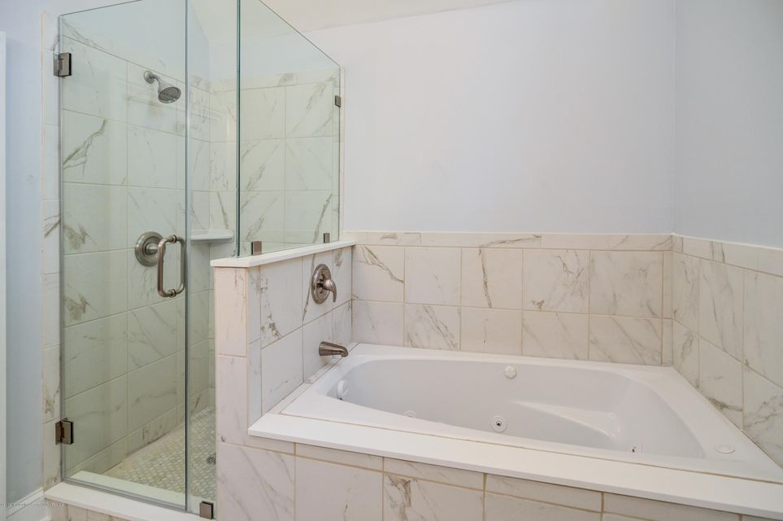024_Main Bath