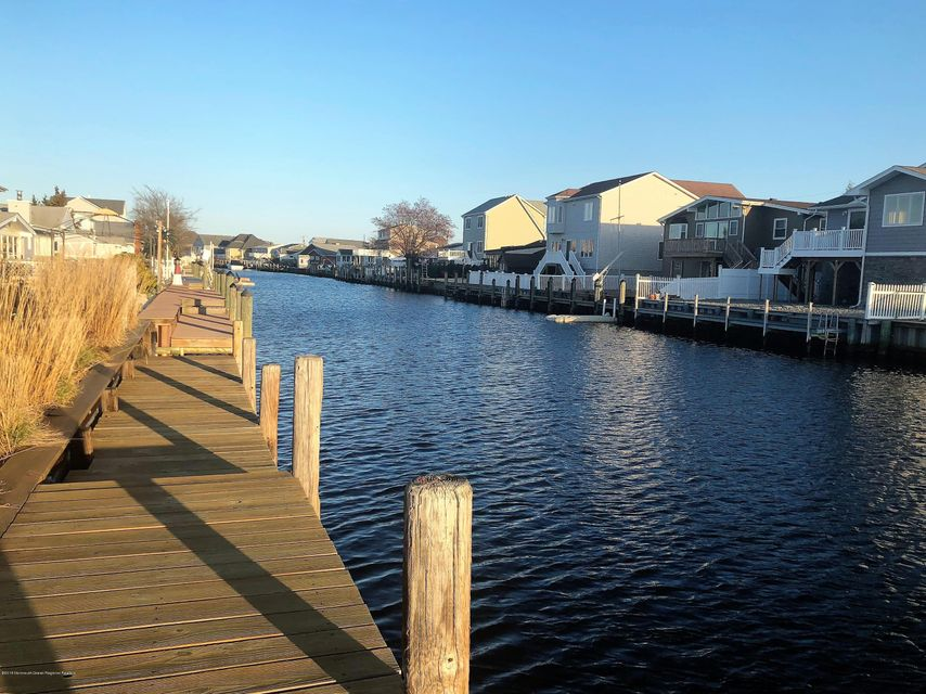 Mother-Daughter   Homes for Sale   Ocean County NJ