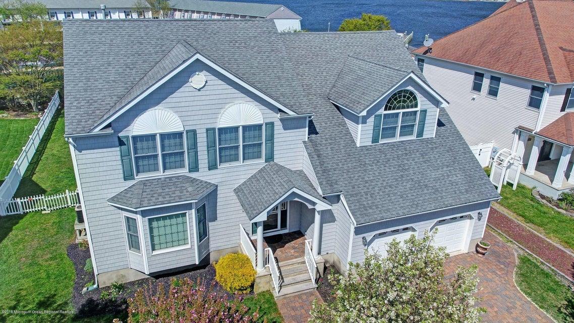 Bayfront Homes for Sale in Toms River, Bayfront Real Estate