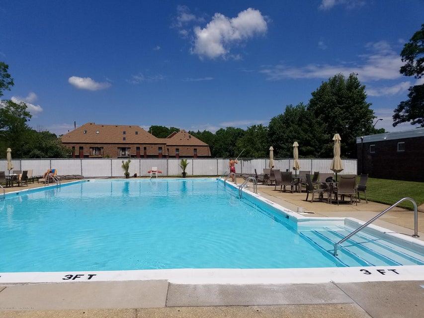 LG pool 6 - Y