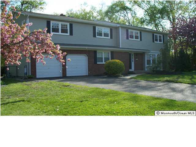81 Hibernia Way, Freehold Twp, NJ 07728