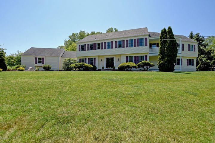 2 Country View Road, Holmdel, NJ 07733