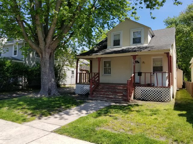 South West Asbury investment opportunity near downtown and train station. Big lot, driveway. Sale ''as is'', CO responsibility of buyer.