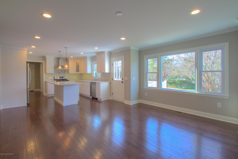 Open Floor plan .New floors , new kitchen , New efficient windows. LED lighting throughout high energy efficiency
