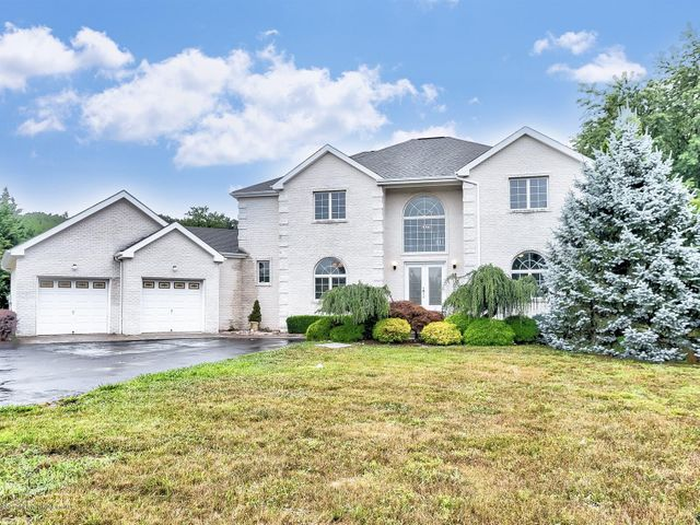 68 Mill Road, Manalapan, NJ 07726
