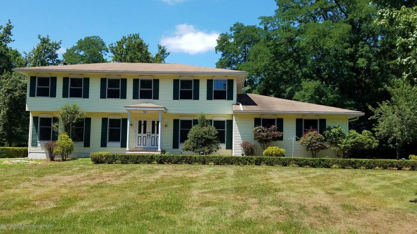 18 Holly Hill Road, Marlboro, NJ 07746