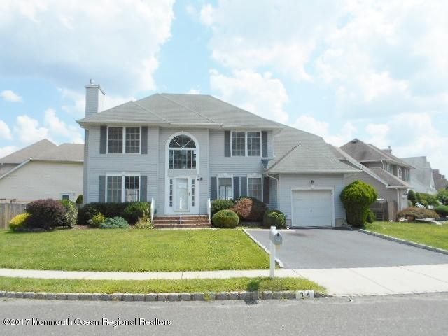 34 Heritage Drive, Englishtown, NJ 07726