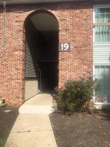 19-3 Augusta Court, Freehold, NJ 07728