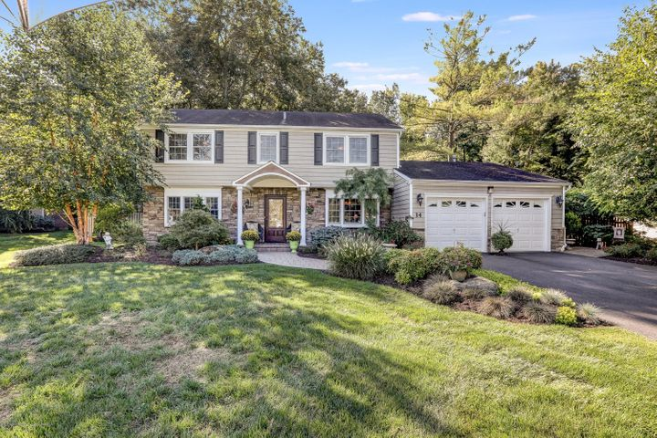 14 Knox Lane, Manalapan, NJ 07726