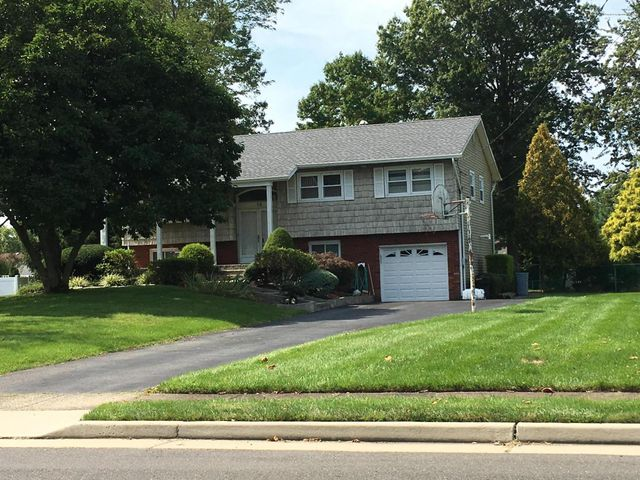 14 Whitman Boulevard, Manalapan, NJ 07726