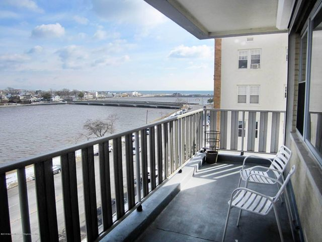 NE Asbury 2 bedroom 2 bath condo with beautiful ocean and lake views. Just two and half blocks to the beach. 1152 sq ft, open and airy. Corner unit with big windows that provide lots of natural light. Make this your home in time for Summer! Listen to the ocean waves from your 5th floor balcony. Walk to the beach and the boardwalk entertainment area. Don't want to go to far? Sit by the pool all day! Laundry on site, community room and pool, parking for an extra fee when available.