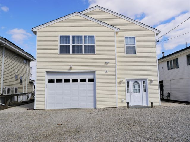 Homes for Sale in NJ 3 Car Garage
