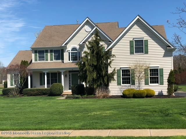 2 Snowmass Court, Freehold, NJ 07728