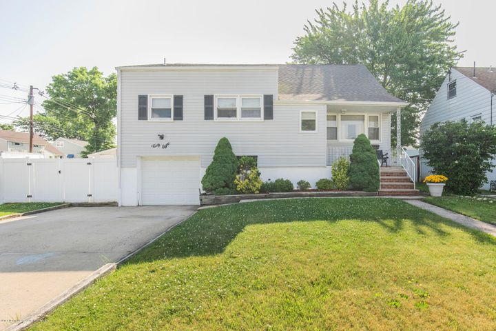 48 Concannon Drive, Fords, NJ 08863