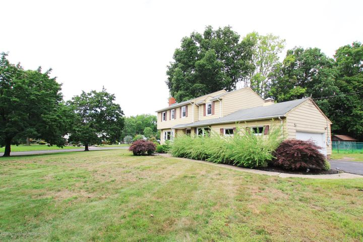 11 Lani Court, Freehold, NJ 07728