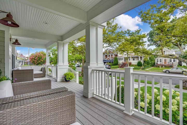 Brand new, less than two blocks from the beach. This is it!