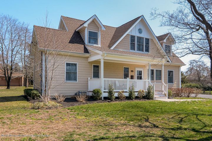 2042 New Bedford Road, Spring Lake, NJ 07762